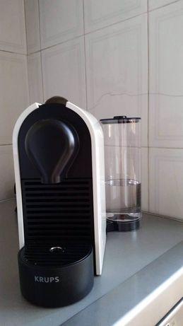 Máquina Nespresso U