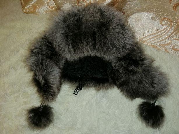 Кожаная шапка-ушанка с мехом чернобурки