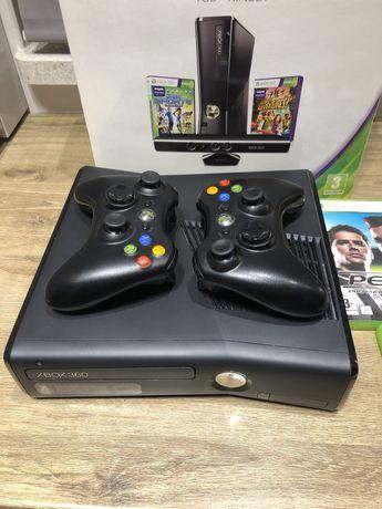 Konsola Xbox 360, 2 Pady, 3 Gry