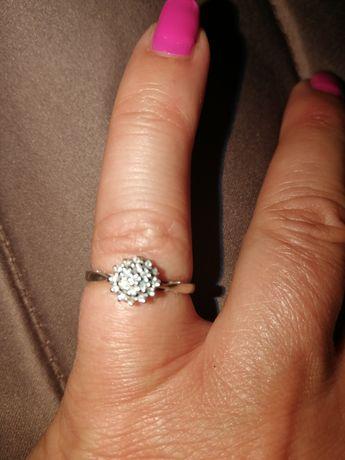 Pierścionek zareczynowy roz11 ,diamenty
