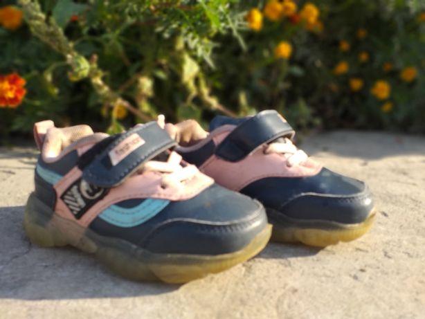 Кросовки на девочьку