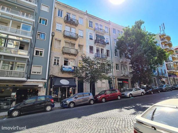 Apartamento T10 no centro de Lisboa para Alojamento Local