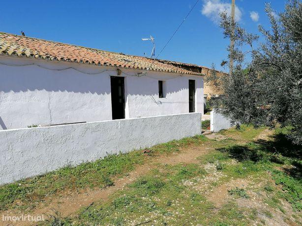 Quinta com 3.2 hectares perto de São Marcos da Serra, Algarve