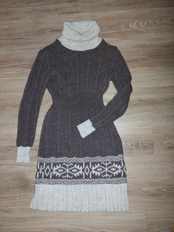 продам платье вязаное теплое