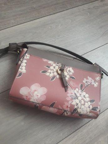 Стильная сумочка accessories!