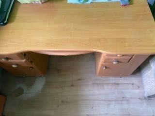 Biurko używane brązowe
