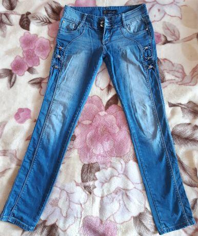 Трое джинсов(можно по отдельности)