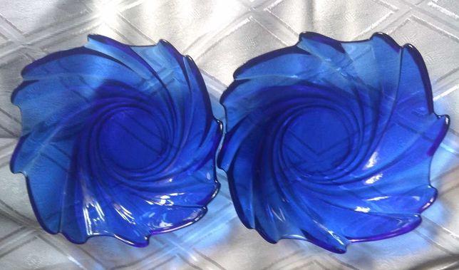 Салатниця. Ваза, Конфетница.  Синее стекло. Франція