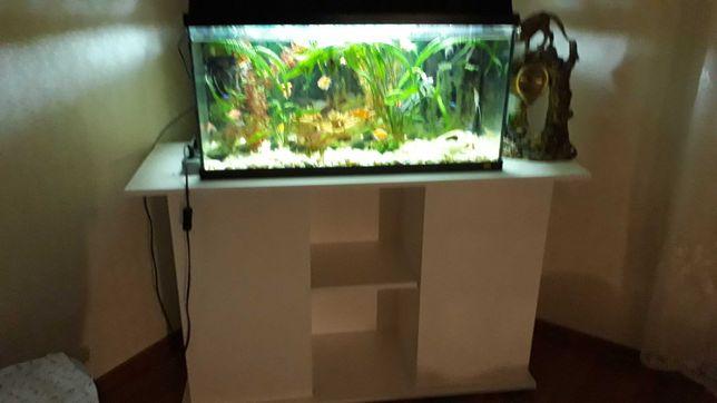 тумба під акваріум