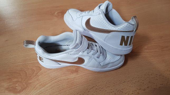 Nike białe ze złotym rozmiar 33, stan bdb.