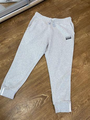 Спортивные штаны Adidas RYV