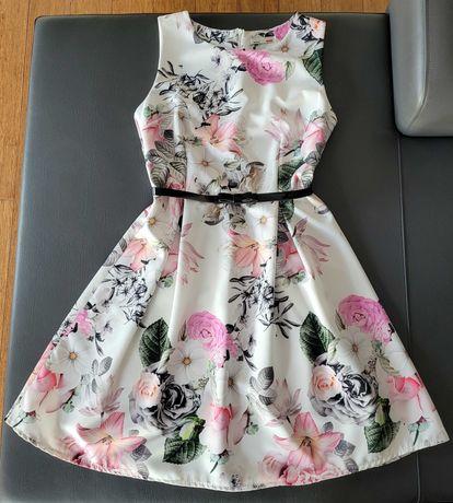 Sukienka biała w kwiaty S, rozmiar 36 z czarnym paskiem, jak nowa