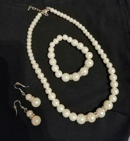 Komplet biżuterii perełki
