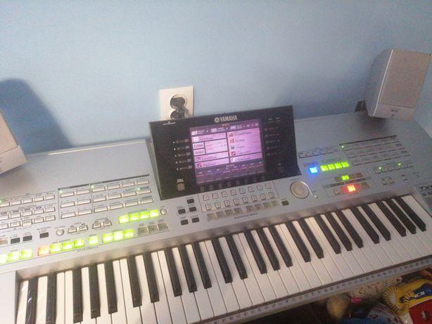 Sprzedam keyboard tyros 1