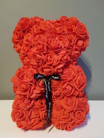Walentynki! Czerwony różany miś.
