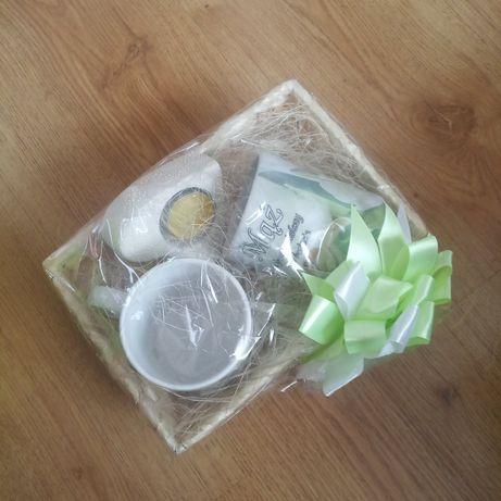 Kubki mąż żona prezent na ślub ze świeczką, zapakowane