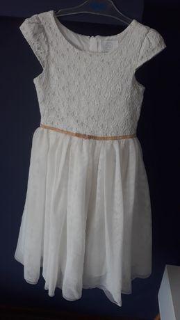 Sukienka Smyk Biała złote dodatek.