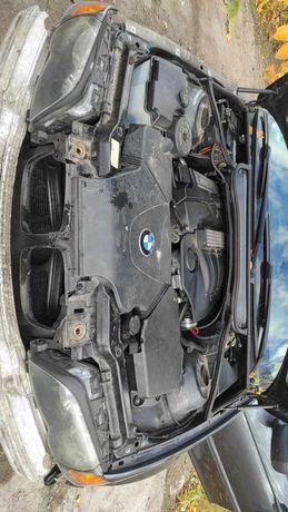 Sprzedam BMW 318 e46 w stanie sprawnym znam w całości lub na częściach