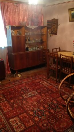 Продам 3-х комнатную квартиру в центре г. Дрогобыч, австрийский дом.