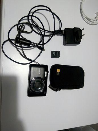 Фотоаппарат Nikon Coolpix S3600 + чехол+8Гб
