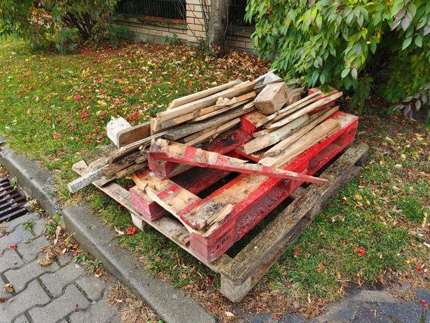 Oddam drewno na opał po paletach