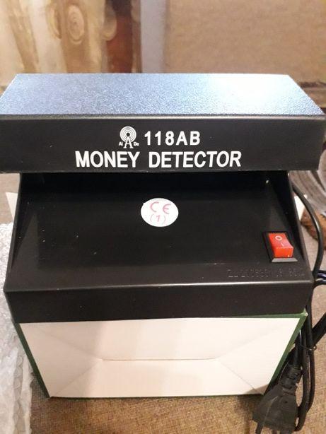 Ультрафиолетовая лампа детектор валют 101 D 118 AB