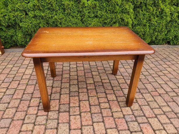 Drewniany lity stół