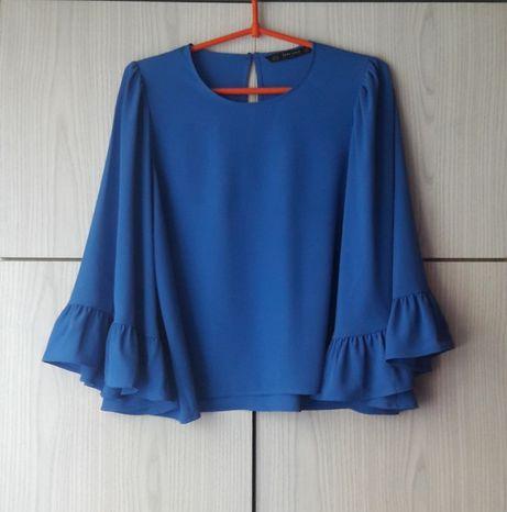 Niebieska bluzka z szerokim rękawem z falbaną Zara Basic