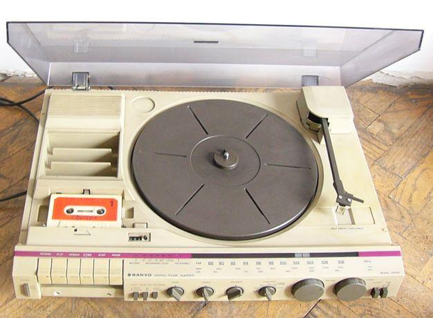 gramofon sanyo z radiem i magnetofonem