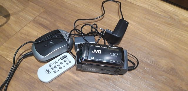 Kamera cyfrowa HD JVC GZ-HM200BE