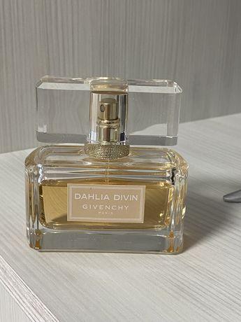 Продам парфюм Dahlia Divin