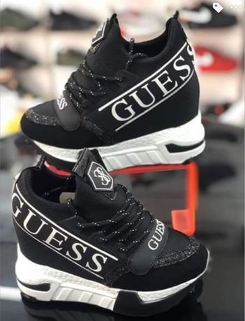 Buty Sneakersy Guess od ręki