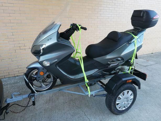 Atrelado de transporte de moto