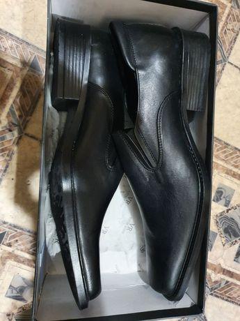 Продам туфли новые 45р.