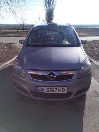 Opel Zafira b / 1,9 CDTI 110kw 150 л.с панорама