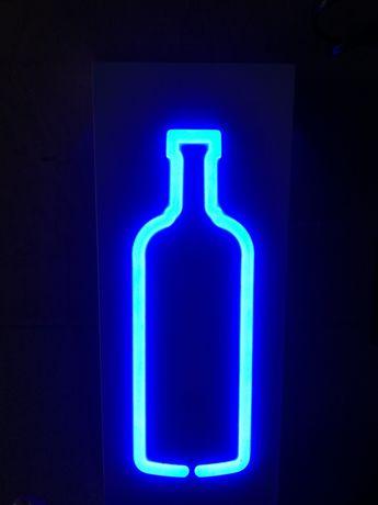 Reclamo luminoso em forma garrafa velharias do careca