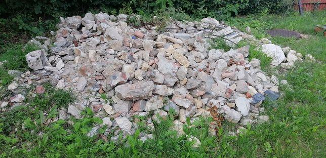 Oddam gruz cegły kamienie