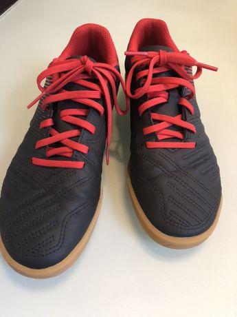 Buty halowe do piłki nożnej Decathlon 36