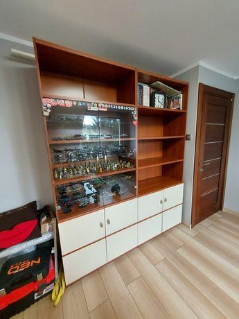 Dwie szafy w bardzo dobrym stanie . Wymiary w opisie