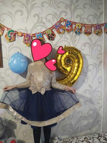 Нарядное платье на девочку 142р.