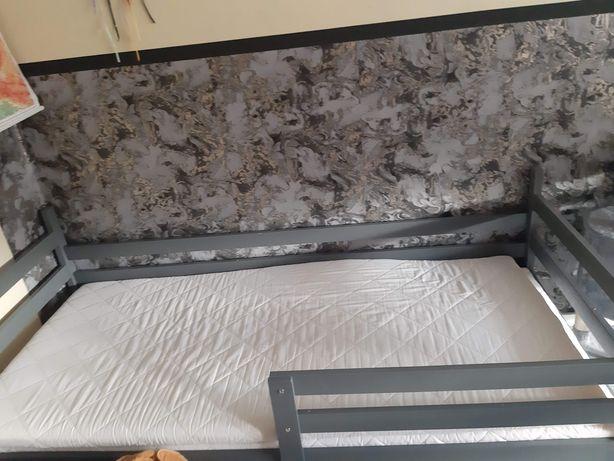 Sprzedam łóżko szare