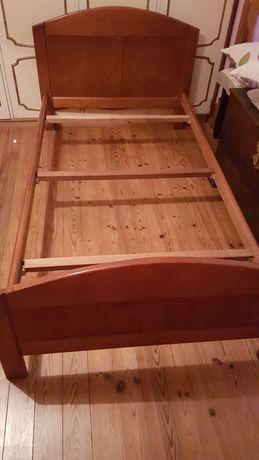 Cama em cerejeira, usada em bom  estado. Medidas 108×190cm.
