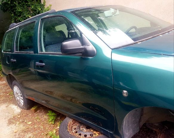 Seat Cordoba Vario po lifcie 2002 drzwi