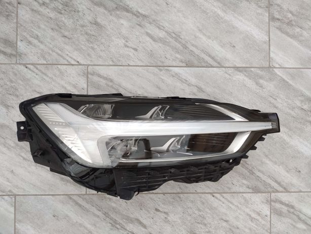 Фара для Volvo XC60