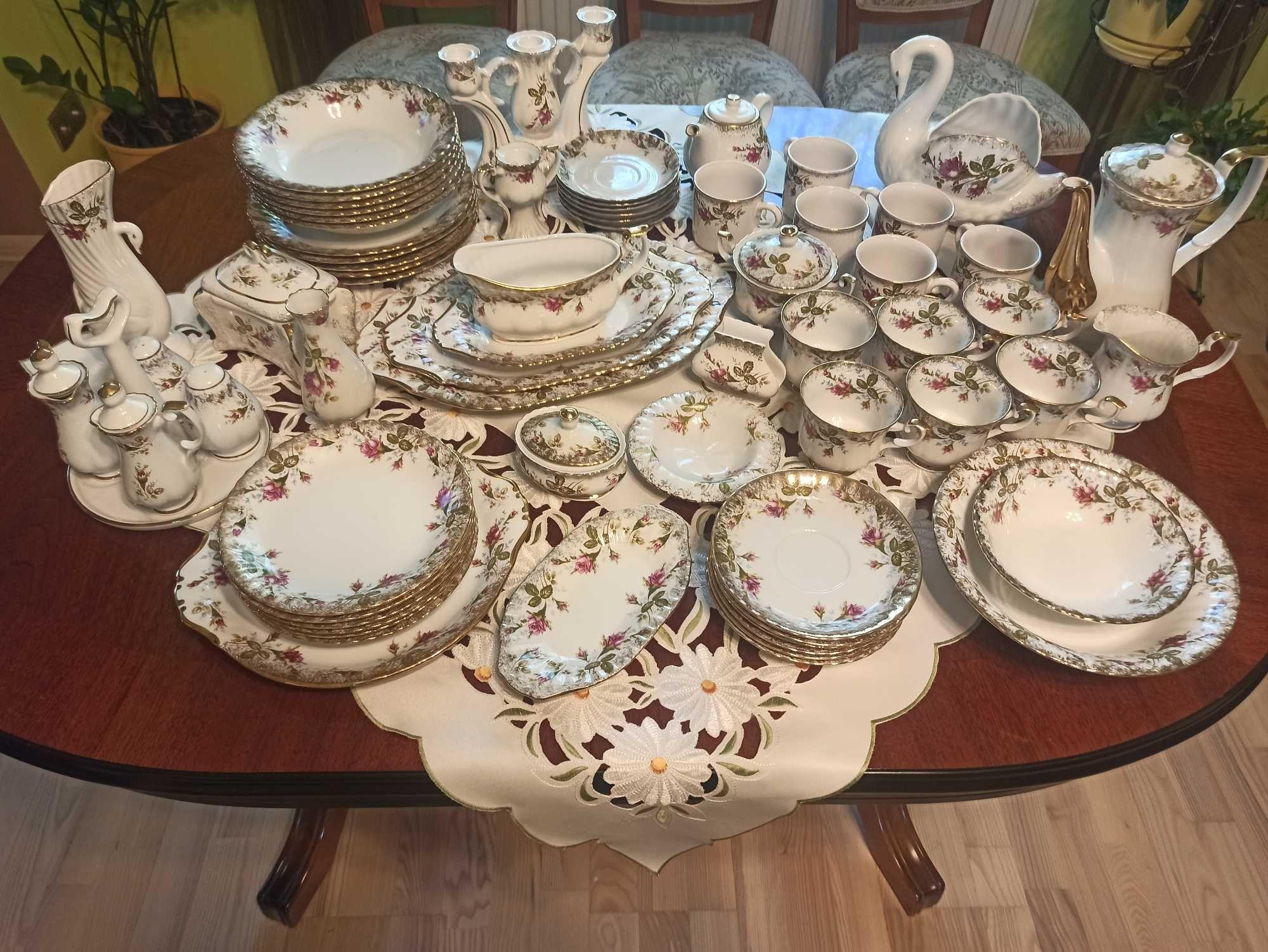 Zastawa obiadowa i kawowo-herbaciana na 6 osób z porcelany Chodzież