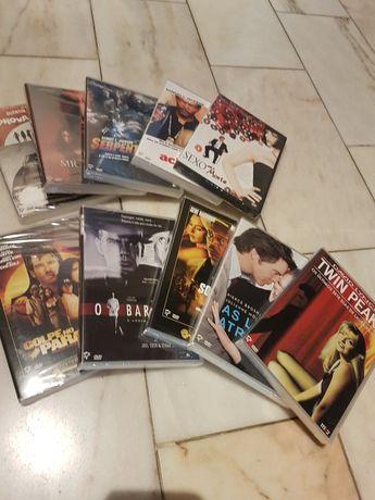 Coleção de grandes filmes do cinema em DVD.