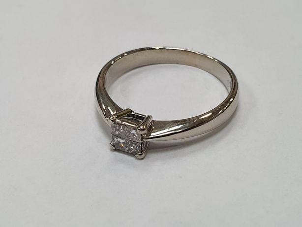 Piękny złoty pierścionek/ 750/ Białe złoto/ 3.47 gram/ R16/ 0.28CT VS
