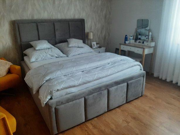 Łóżko tapicerowane, łóżko sypialniane z pikowaniem w kwadraty MAYOR