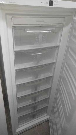 LIEBHERR . Велика морозилка. Загальний об'єм 356 NoFrost (сухий мороз)