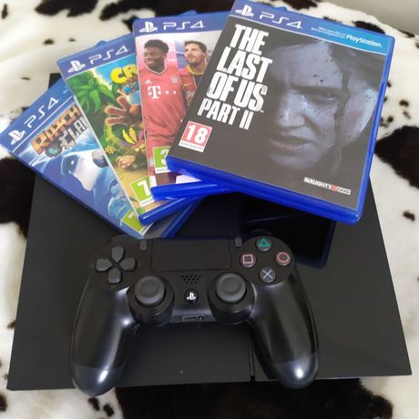 PlayStation 4 500 GB + pad + GRY